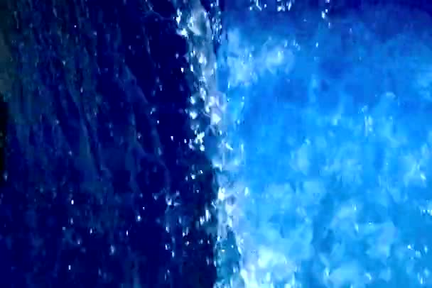 krásné tekoucí vody
