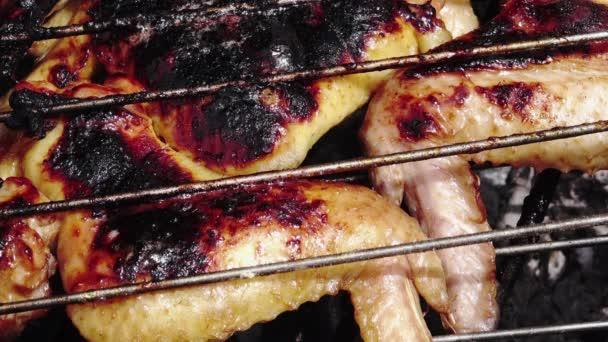 Grill csirke szárnyak és a lábak, Vértes
