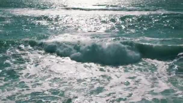 Óceán hullámai nap tükörképe