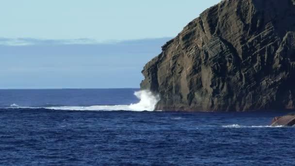 Prolomit vlny Atlantického oceánu