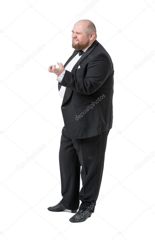 dicker mann im anzug