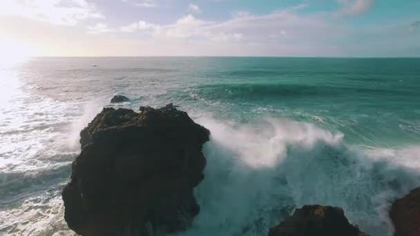 Nagy óceán hullámai a Rock törés