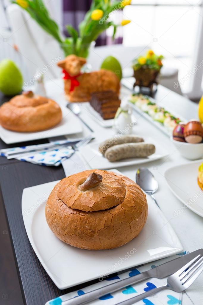 Mesa de desayuno de pascua tradicional polaca foto de for Mesa desayuno