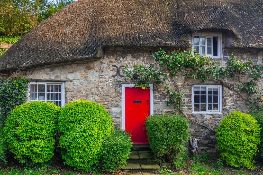 Architecture Detail Of Traditional English Cottage Houses Photo By Patryk Kosmider