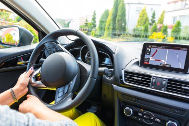 Driving a car with navigation