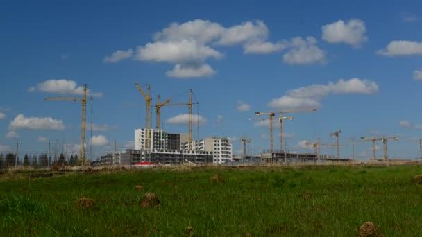 Moskva, Rusko - květen 06.2016. Moskva, Rusko - květen 06.2016. Výstavba nových bytových domů v Zelenograd