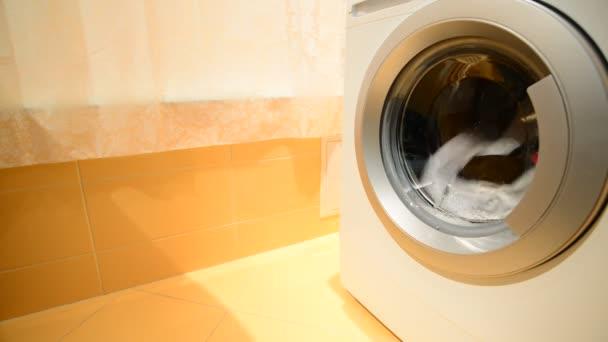 Fekete-fehér mosoda mosógép mosott