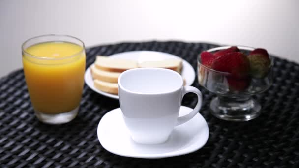 snídaně s kávou