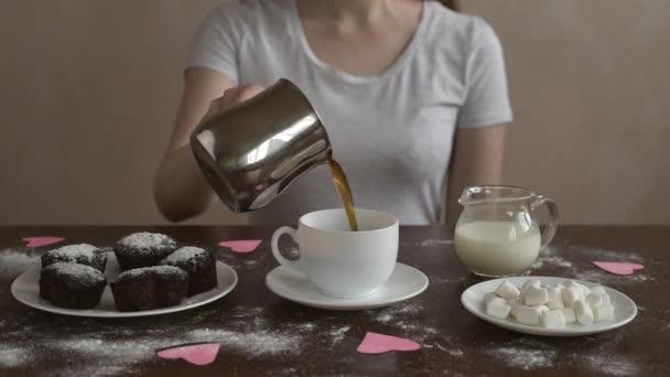 Káva s mlékem a proskurníku