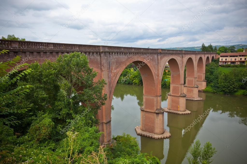 Ponte In Muratura.Vista Di Un Ponte In Muratura A Albi Francia Foto Stock