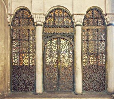 Mosque gates