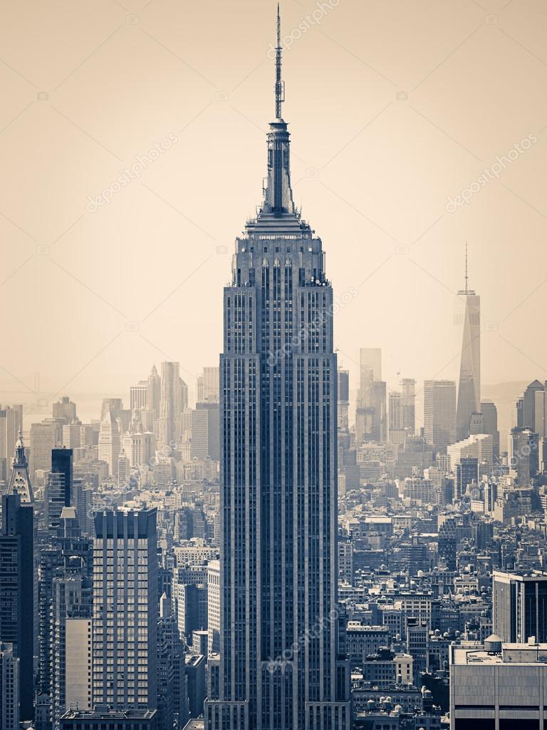 Immagine divisa tonica di New York con l\'Empire State Building ...