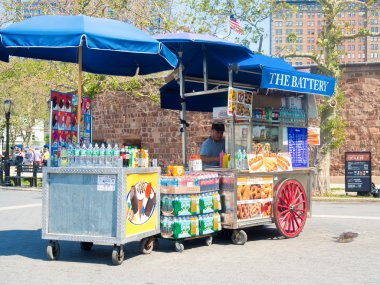 Street cart selling fast food at Battery Park in New York City