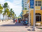 Slavné hollywoodské plážové promenády na Floridě