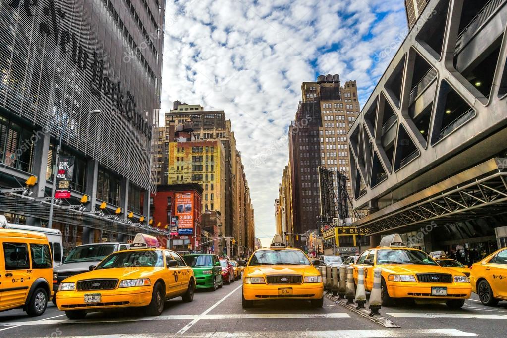 b timents et des taxis jaunes de new york photo ditoriale masterlu 67544931. Black Bedroom Furniture Sets. Home Design Ideas
