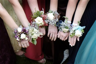 Prom Corsages Girls Beautiful Dresses