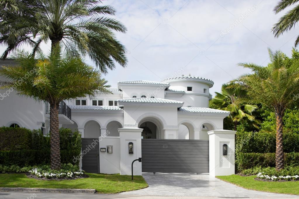 Mansiones de lujo en miami for Casas de lujo en miami
