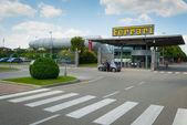 Új Ferrari gyár bejárata