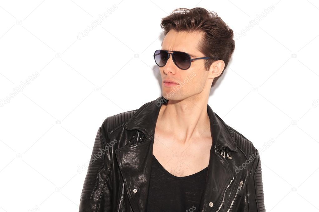 Homme À La Lunettes Cuir Fashion En De Et Soleil Blouson 8vUrw8