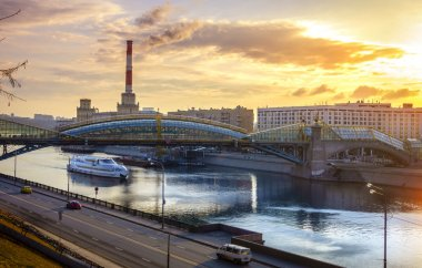 Pedestrian bridge across the Moscow River