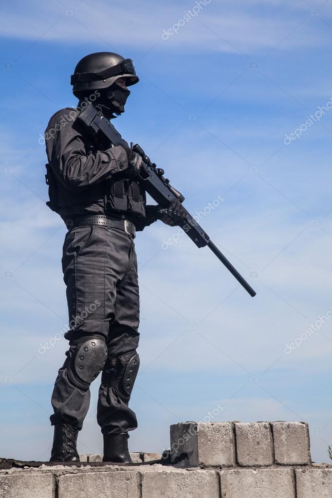 SWAT policía francotirador — Foto de stock © zabelin #87111598