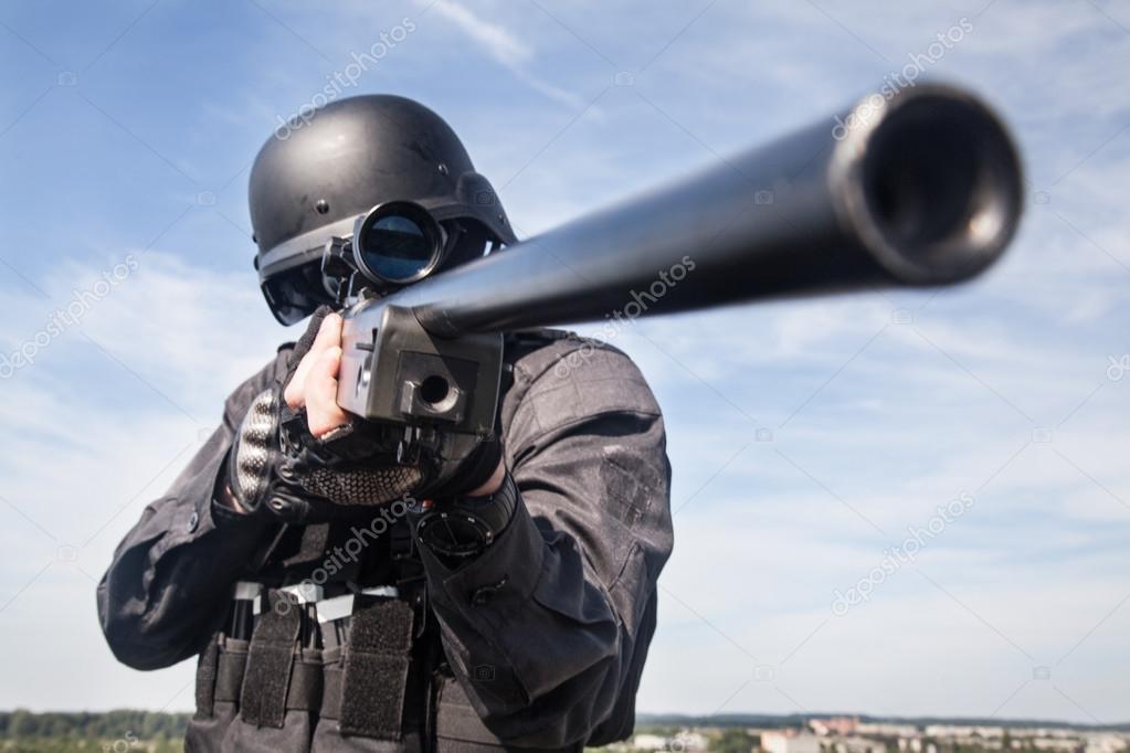 SWAT policía francotirador — Fotos de Stock © zabelin #87111670