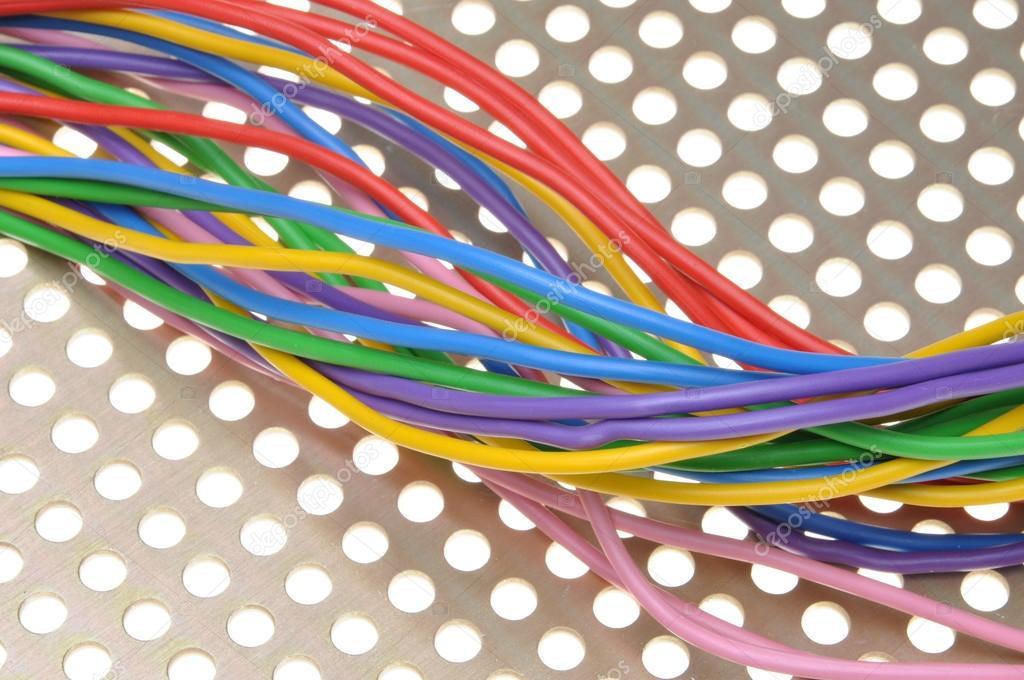 Farbige Elektrokabel farbige elektrokabel auf metalloberfläche stockfoto zetor2010