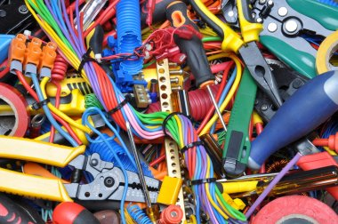 Tools and electrical component kit used in electrical installations