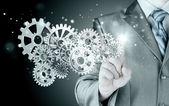 podnikatel rukou dotknout zařízení k úspěchu konceptu