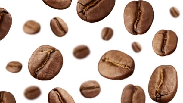 Kaffeebohnen, die herunterfallen auf weißem Hintergrund