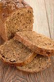 Plátky chleba brown na stole