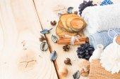 Fotografie tyčinky skořice, ručníky