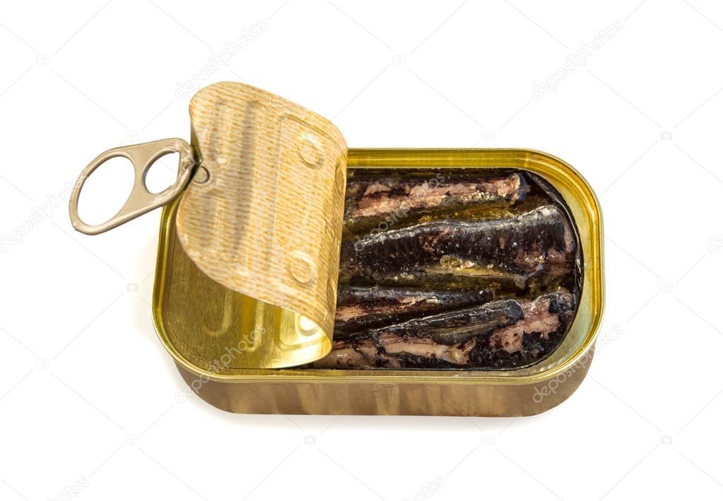 Bo te de conserve ouverte aux sardines isol sur blanc photographie luckylia 120671622 - Conserve de sardines maison ...
