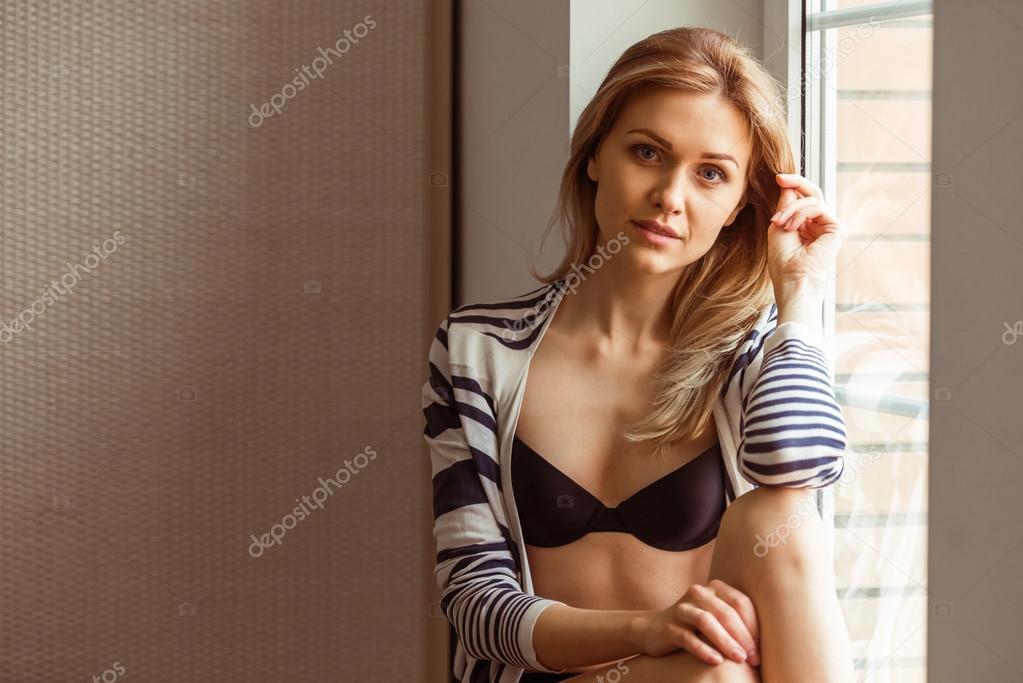 Девушка в нижнем белье фото 175-554