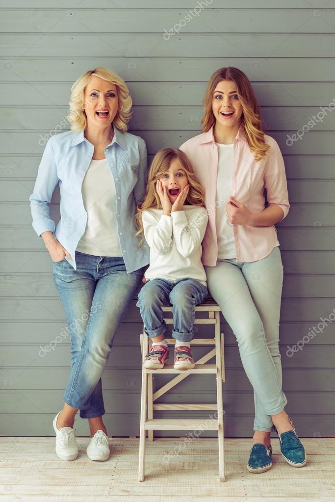 Oma Moeder En Dochter Stockfoto Georgerudy 106398376