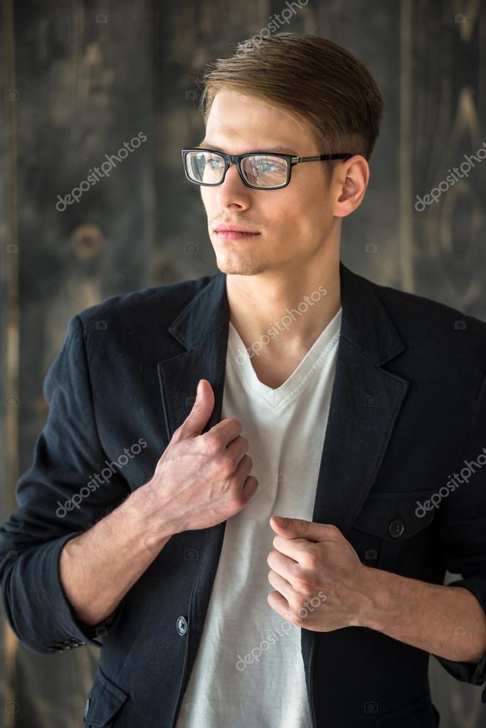 """Специально для девушек - фото мужчин с """"ассники"""""""