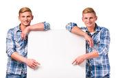 Fényképek két iker fiú