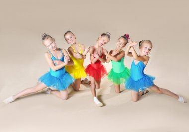 Little ballet dancers