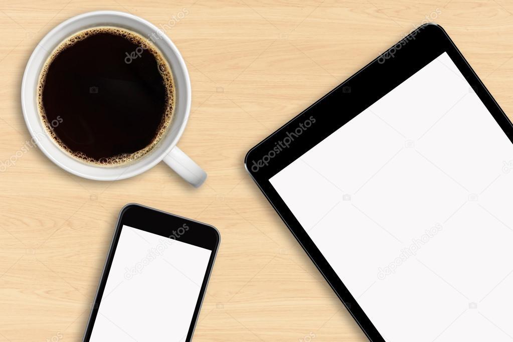 Banco Da Lavoro Per Telefonia : Posto di lavoro con la telefonia mobile e tablet u foto stock