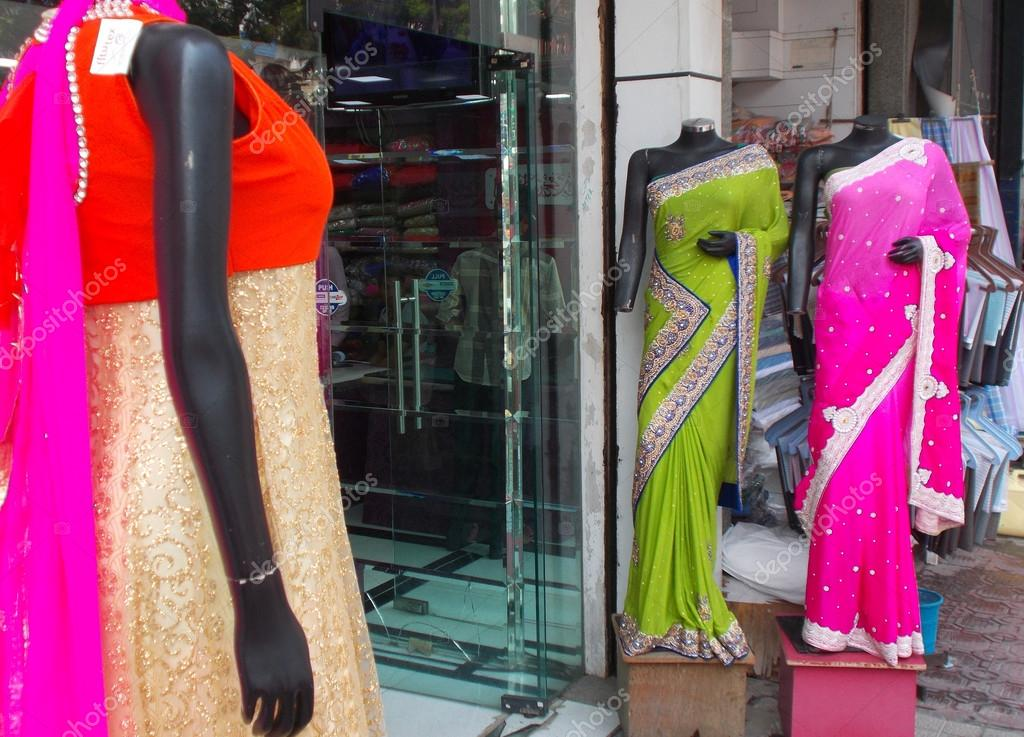 30d1c347a4 Mannequins in Indian dress – Stock Editorial Photo © reddees #103710466