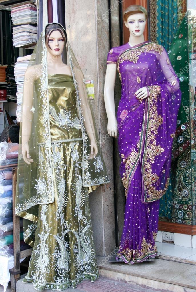 Schaufensterpuppen in neuesten indischen Mode Kleid gekleidet ...
