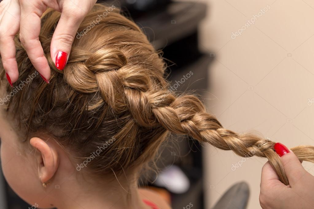 Geflochtene Zöpfe Im Beauty Salon Stockfoto Schankz 121441100
