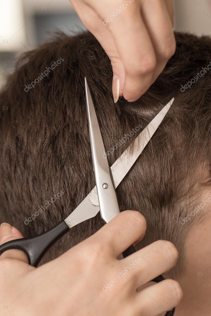 Manner Haare Schneiden Scheren In Einem Beauty Salon Stockfoto