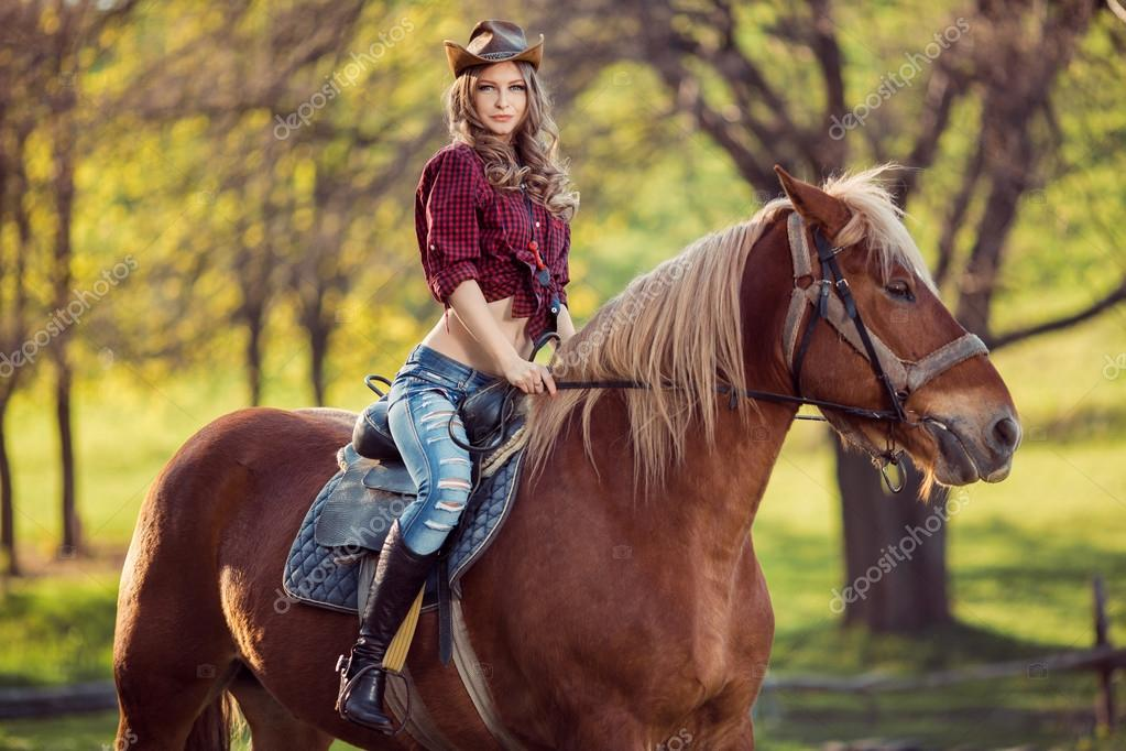 Фото с лошадьми красивые с девушками