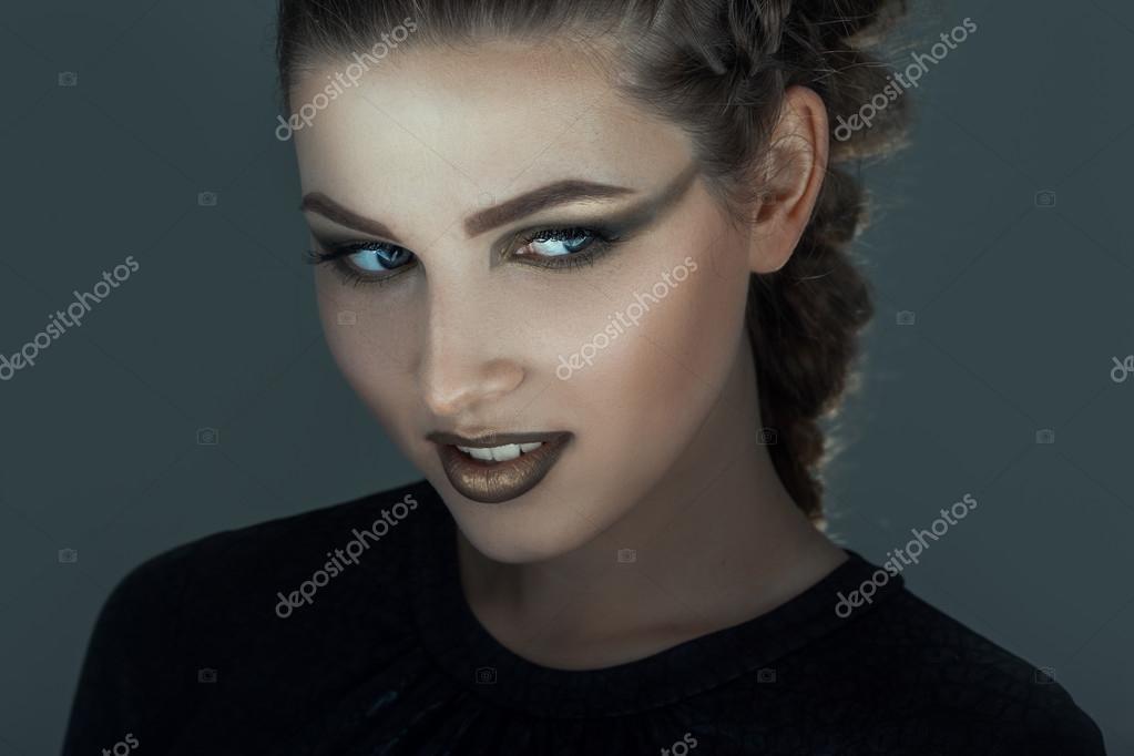 Madchen Mit Kreatives Schminken Fur Halloween Stockfoto C Dimabl