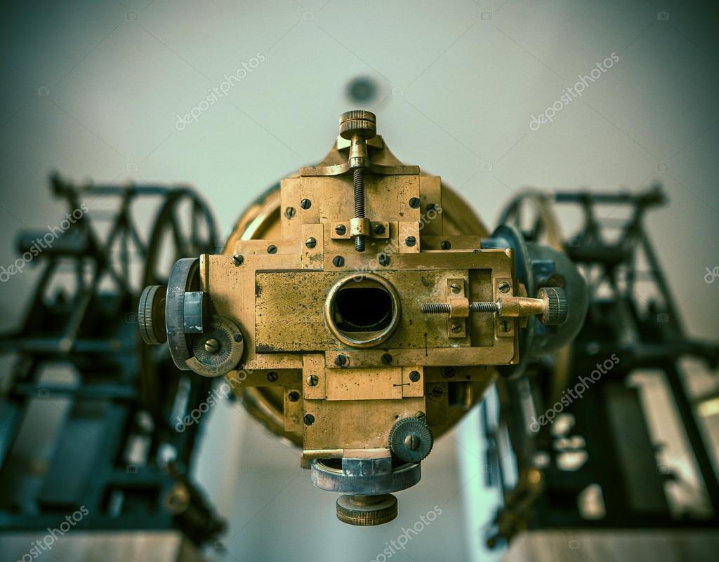 Alte astronomische teleskop u stockfoto mrdoomits