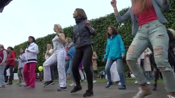 Tanulás, hogyan kell táncolni a nemzetközi Jazz Fesztivál Usadba Jazz emberek