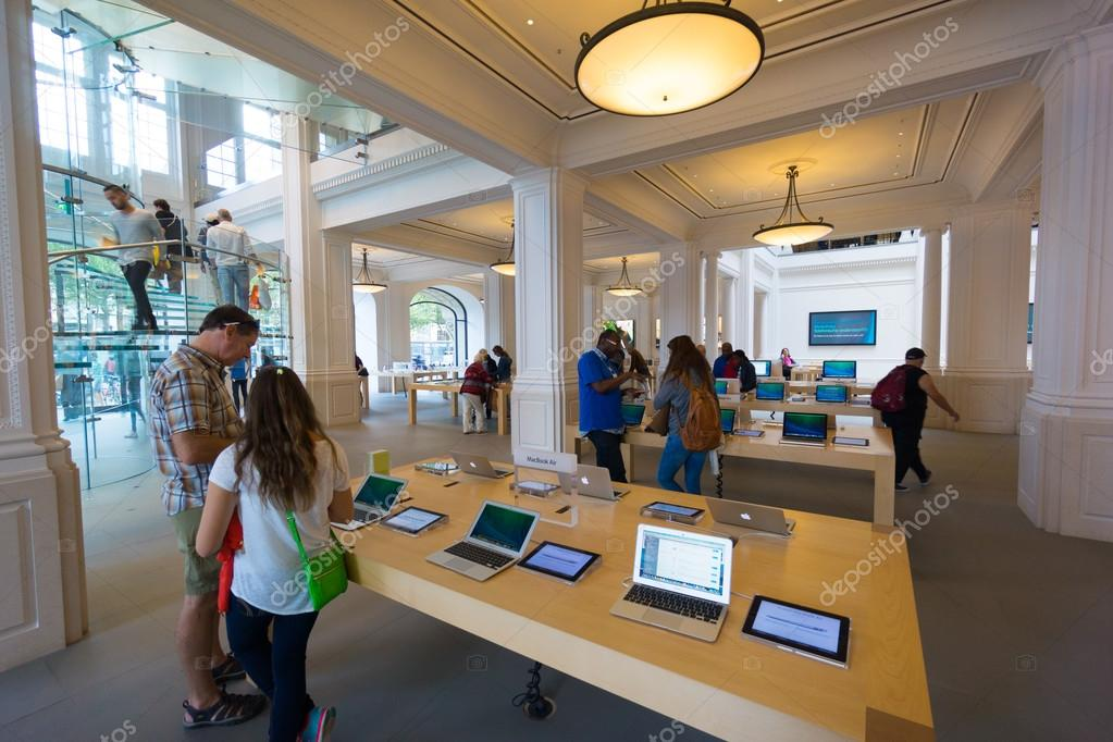 Amsterdam Apple Store Interieur — Redaktionelles Stockfoto © toxawww ...