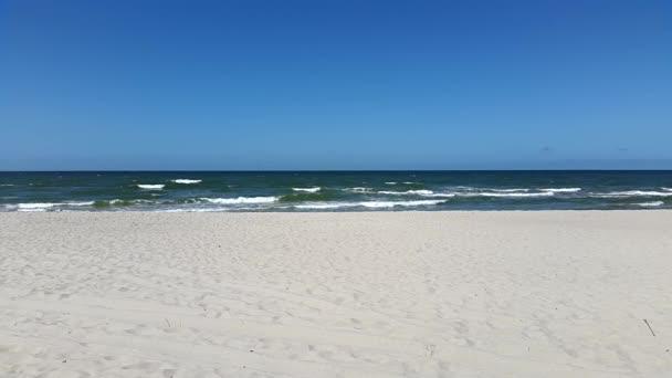 Baltské moře tiše omývá