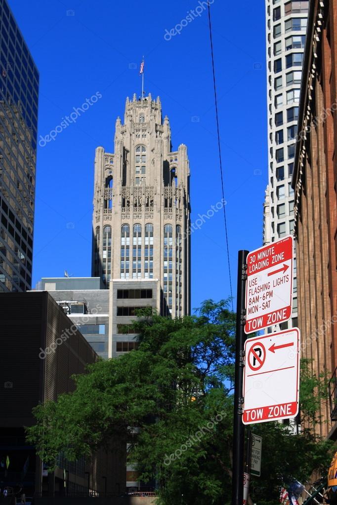 Chicago - Tribune Tower — Foto editorial de stock © Ffooter #98928596